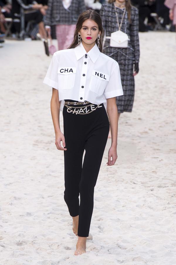 Chanel biến bảo tàng thành bãi biển  - 3