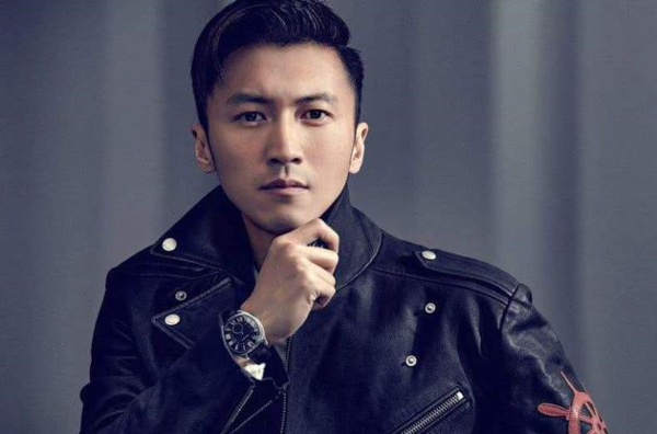 Ca sĩ, diễn viên Tạ Đình Phong