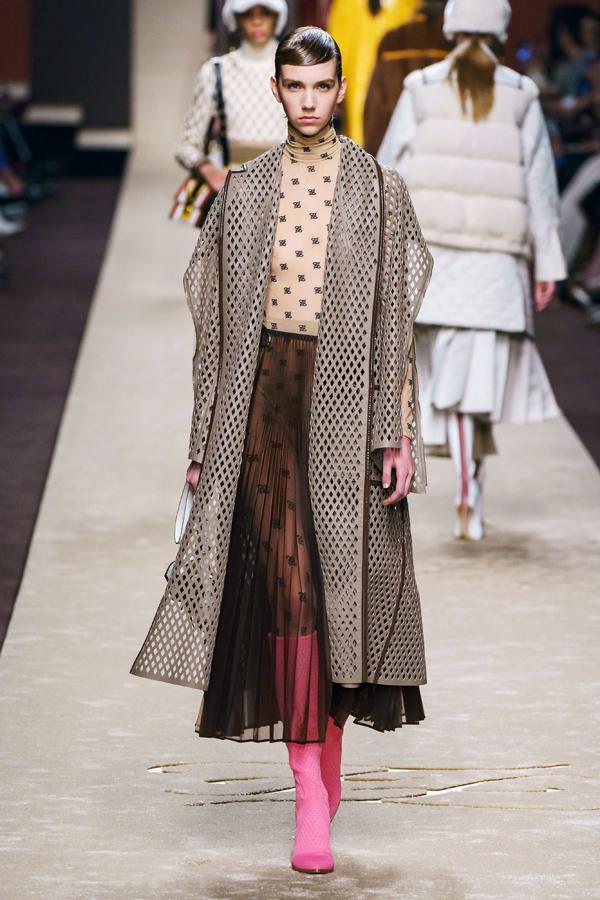 Những thiết kế cuối cùng của Karl Lagerfeld (2)