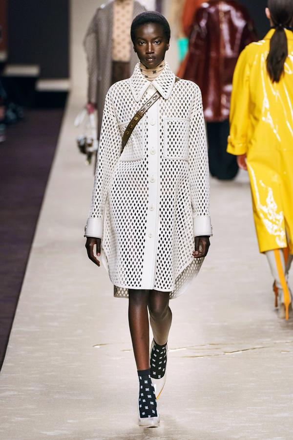 Những thiết kế cuối cùng của Karl Lagerfeld (2) - 10