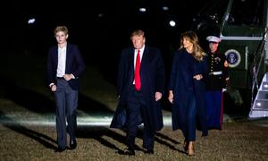 Cậu út nhà ông Trump học lớp 7 đã cao hơn bố