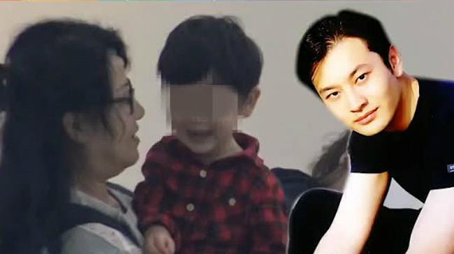 Cận cảnh gương mặt đáng yêu của Tiểu Bọt Biển. Truyền thông Trung Quốc gọi cậu bé là bản sao nhí của ông bố nổi tiếng.