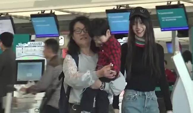 Con trai Huỳnh Hiểu Minh càng lớn càng giống bố - 4