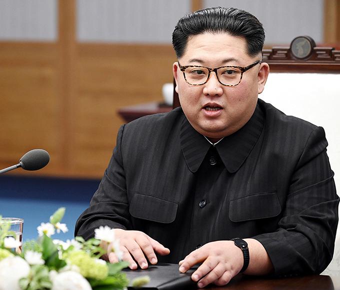 Vợ chồng Kim Jong-un thường đeo đồng hồ đôi giá bình dân - 5