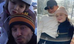 Harper chu môi chụp ảnh cùng bố mẹ