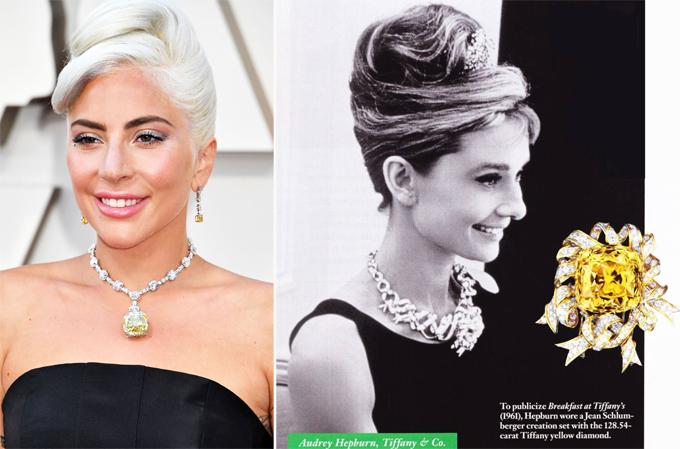 Audrey Hepburn (bên phải) đeo viên kim cương này vào năm 1961.