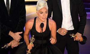 Lady Gaga bật khóc cảm ơn người yêu tin đồn khi nhận giải Oscar