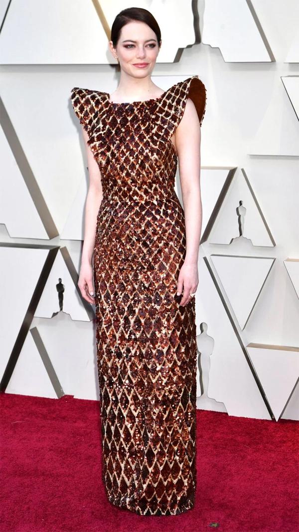 Emma Stone cạnh tranh hạng mục Nữ diễn viên chính xuất sắc với phim The Favourite.