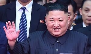 Kim Jong-un: Từ em út mê bóng rổ đến lãnh đạo được trải thảm đỏ