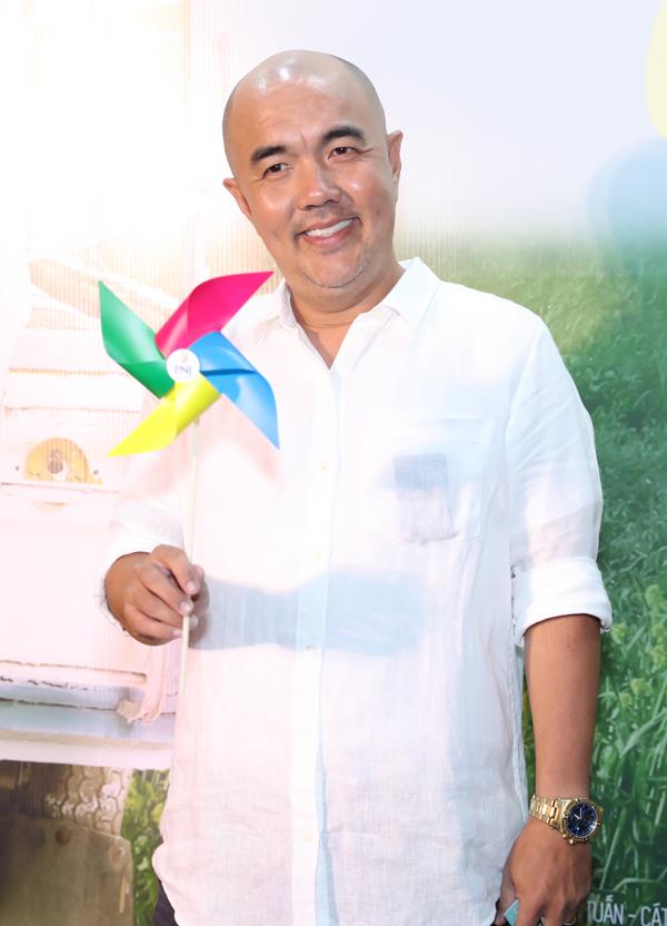 Nghệ sĩ Quốc Thuận.