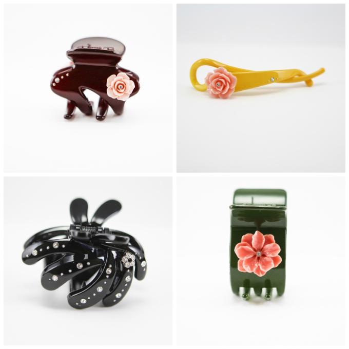 Muchas J: Được sáng lập bởi nhà thiết kế người Singapore Ms Jasmine Boo, Muchas J. là một cái tên quen thuộc với giới mộ điệu nữ trang và phụ kiện, in đậm dấu ấn bằng những tác phẩm giản đơn nhưng tinh tế, sang trọng. Lấy cảm hứng từ thiên nhiên, đặc biệt là các loài hoa, những thiết kế tinh xảo của Muchas J. là bản hòa âm màu sắc, được thổi hồn bằng nét chạm khắc thủ công tỉ mỉ, điêu luyện trên vật liệu cao cấp như pha lê Swarovski. Những quý cô hiện đại, sành điệu luôn tìm thấy nét cá tính riêng mình trong từng tác phẩm của Muchas J.