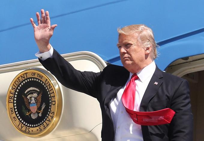 Lý do ông Trump thường mặc suit rộng, thắt cà vạt dài bất tận - 3