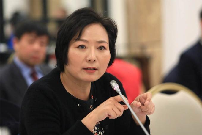 Theo Bloomberg Billionaires Index, nữ tỷ phú Trung Quốc Wu Yajun, 54 tuổi, từng làm nhân viên kỹ thuật tại một nhà máy với mức lương 16 USD/tháng và hiện tại bà sở hữu khối tài sản trị giá 8,3 tỷ USD, là nữ tỷ phú tự thân giàu nhất thế giới,