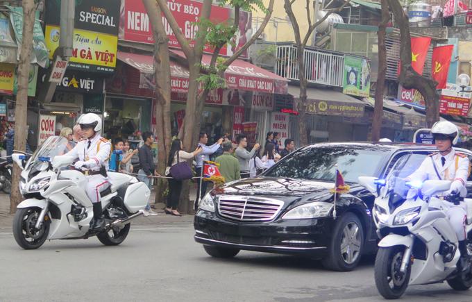 Đoàn xe Trump - Kim vội vã rời khách sạn Metropole - 3