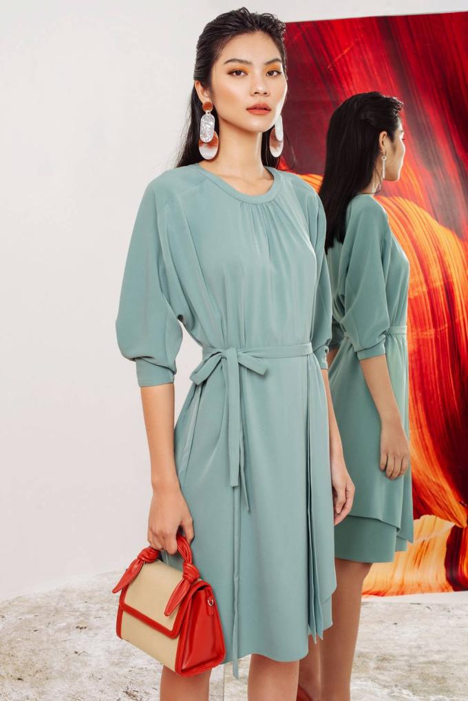 Những item thời trang sắc màu trên đều đã có mặt tại showroom của thương hiệu Eva de Eva trên toàn quốc. Còn chờ gì nữa mà không