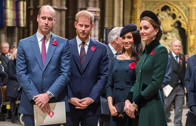 Hai cặp đôi hoàng gia trong sự kiện kỷ niệm chiến tranh thế giới thứ 1 hồi tháng 11/2018. Ảnh: Reuters.