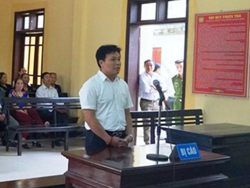Bị cáo Lê tại tòa. Ảnh: H.L