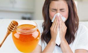 Dùng một thìa mật ong trước khi đi ngủ mang đến lợi ích lớn cho cơ thể