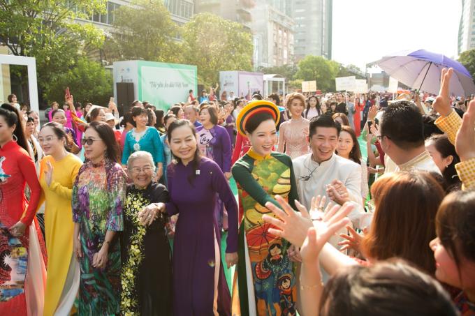 Đại sứ Lễ Hội Áo Dài 2019 Doanh nhân Trang Phương gây chú ý với vẻ đẹp thuần khiết - 7