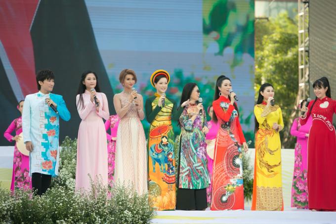 Đại sứ Lễ Hội Áo Dài 2019 Doanh nhân Trang Phương gây chú ý với vẻ đẹp thuần khiết - 2