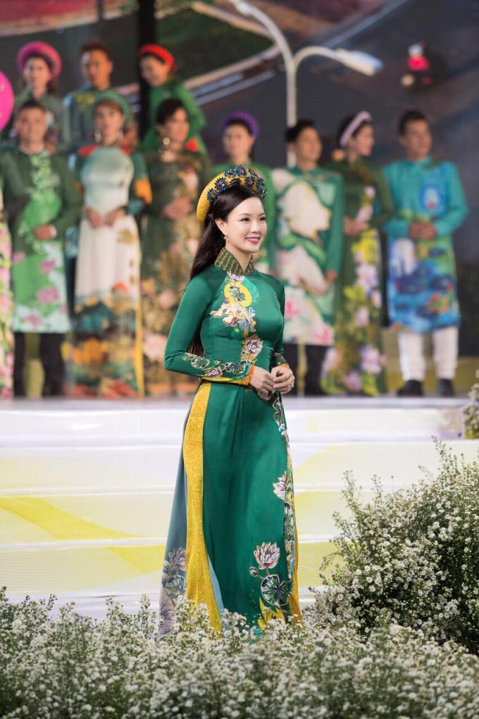 Đại sứ Lễ Hội Áo Dài 2019 Doanh nhân Trang Phương gây chú ý với vẻ đẹp thuần khiết - 5