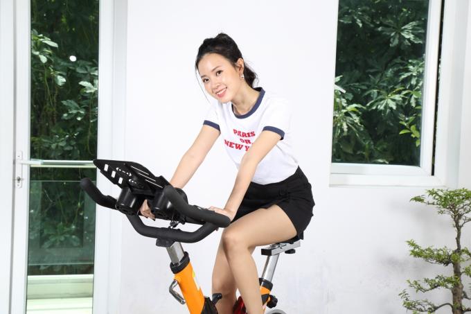 Không hàng hiệu và trang sức ngày 8/3, Midu tự thưởng bản thân xe đạp tập - 2