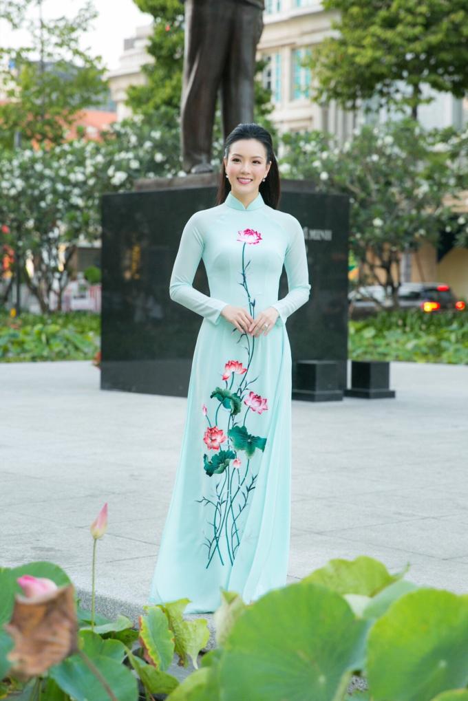 Đại sứ Lễ Hội Áo Dài 2019 Doanh nhân Trang Phương gây chú ý với vẻ đẹp thuần khiết - 3