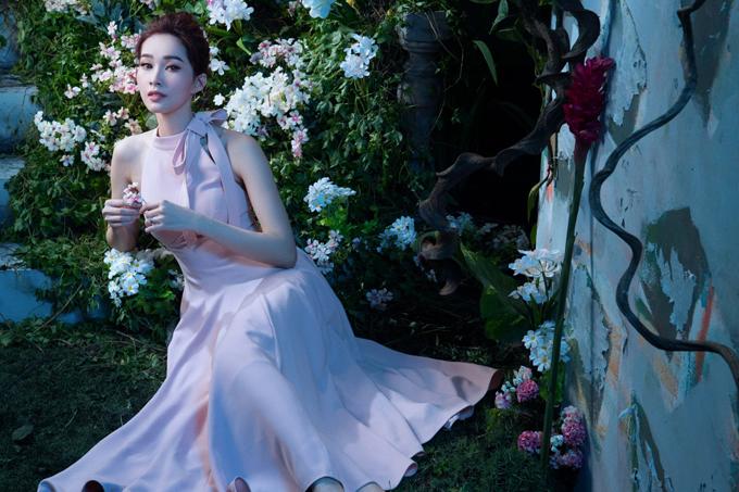 Đặng Thu Thảo diện đầm dạ hội khoe vẻ đẹp mong manh - 7