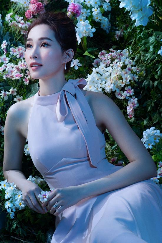 Đặng Thu Thảo diện đầm dạ hội khoe vẻ đẹp mong manh - 8