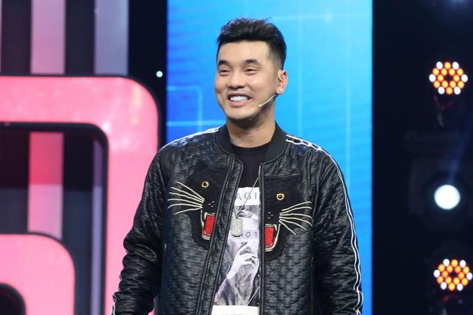 Phạm Quỳnh Anh sánh đôi Ưng Hoàng Phúc đi chơi gameshow - 3