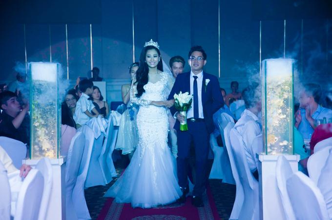 Tiệc cưới tông trắng của diễn viên Trần Thùy Trang