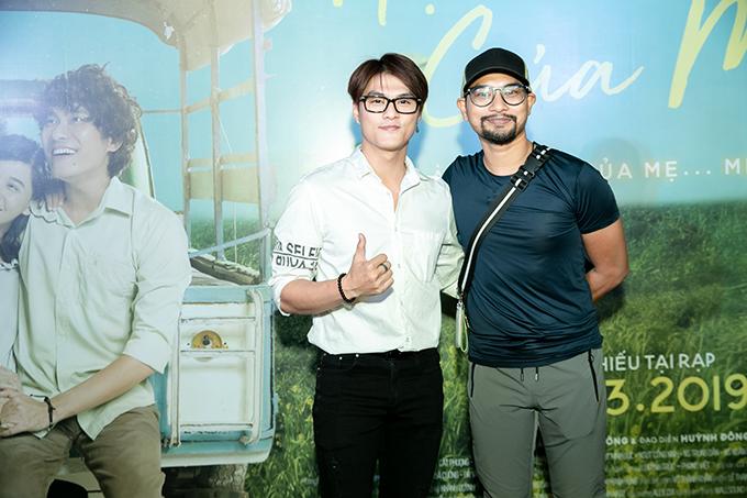 Lâm Vinh Hải (trái) và đạo diễn Huỳnh Đông tại buổi ra mắt phim.