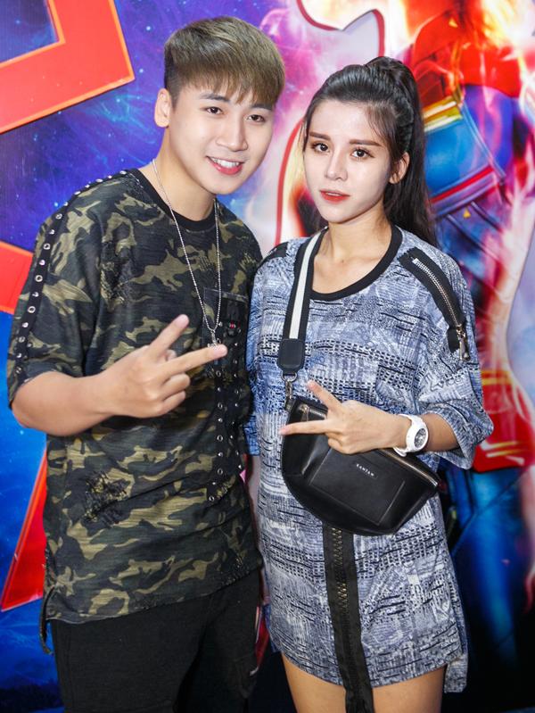 Vlogger Huy Cung đi cùng vợ mới cưới -hot girl Mỹ Linh.