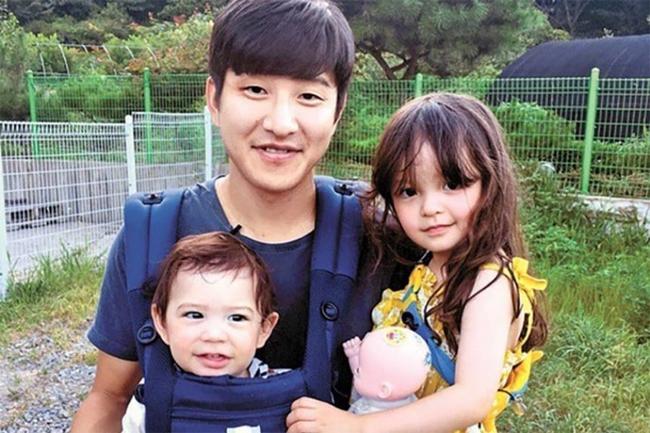 Nét đáng yêu của cặp búp bê lai nhí xứ Hàn - 13