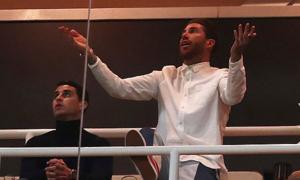 Sergio Ramos bất lực trên khán đài nhìn đồng đội thảm bại trước Ajax