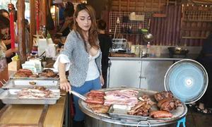 Cô bán thịt nướng sexy nhất Đài Loan
