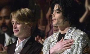 Macaulay Culkin ngủ với Michael Jackson nhưng không sex