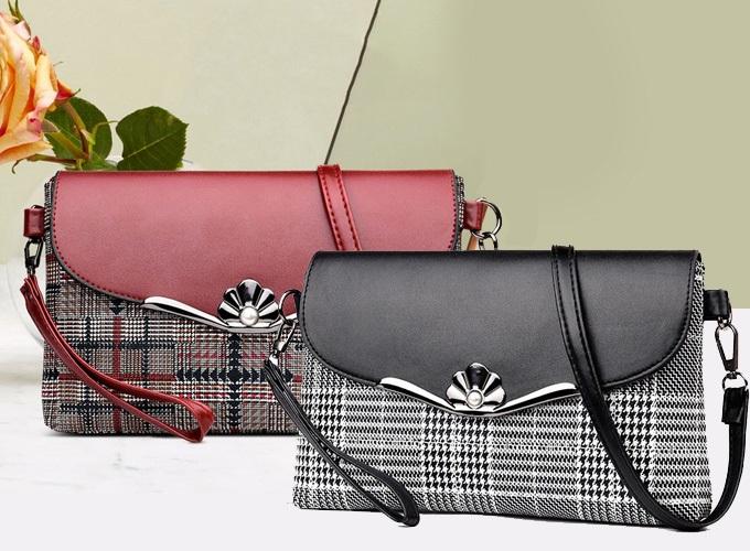 Túi đeo chéo mang phong cách trẻ trung, với thiết kế hiện đại, nhiều nét cách điệu mới lạ, Chất liệu da pu chất lượng cao, mềm mại và bền chắc, dễ dàng vệ sinh, cho thời gian sử dụng lâu dài.