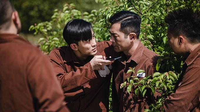 Các nam thần Hong Kong sẽ có nhiều cảnh hành động, đối đầu trong phim. Lâm Phong và Cổ Thiên Lạc đóng chung lần đầu trong phim Cỗ máy thời gian của TVB năm 2000. Hiện tại, Lâm Phong là một trong các nghệ sĩ trực thuộc quản lý của công ty do Cổ Thiên Lạc sáng lập. Sau P Storm, bộ đôi tiếp tục cùng thực hiện Cỗ máy thời gian phiên bản điện ảnh.