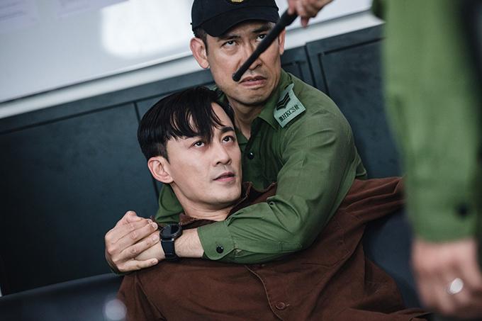 Lâm Phong trong một cảnh quay ẩu đả.