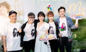 Sao Việt nghẹn ngào khi xem 'Hạnh phúc của mẹ'