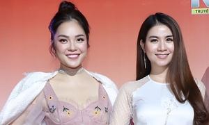Kha Ly 'đối đầu' Dương Cẩm Lynh thi hát bolero