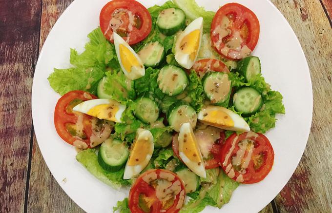 Salad sốt mè rang