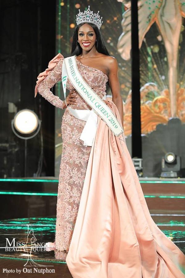 Jazell Barbie Royale (Mỹ) là thí sinh da màu đầu tiên giành ngôi vị Hoa hậu Chuyển giới Quốc tế 2019. Cô vừa đăng quang vào tối 8/3.