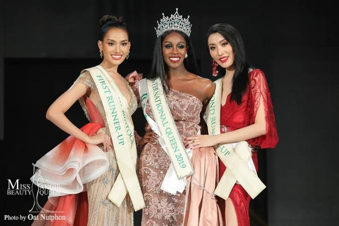 Nhan sắc của Jazell gây nhiều tranh cãi sauđăng quang, nhất là khi so sánh với vẻ ngoài xinh đẹp của Á hậu 1 người Thái Lan (trái).