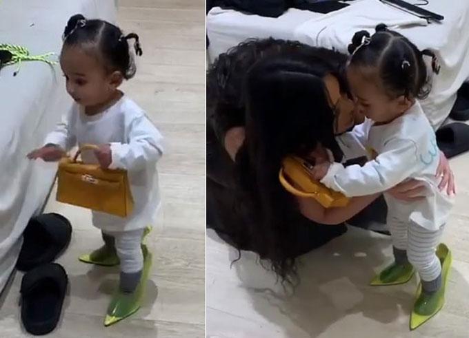 Kim tặng con gái út túi xách xa xỉ.