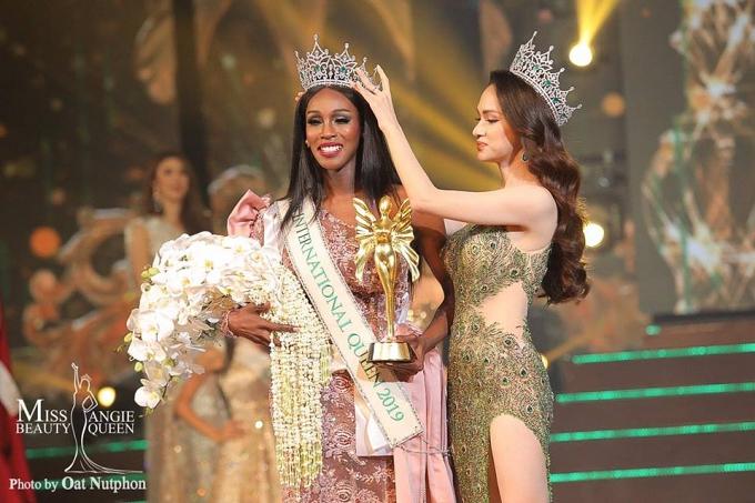 Tân Hoa hậu Chuyển giới Quốc tế