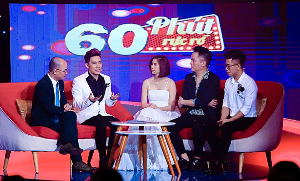 Từ trái sang: MC Minh Đức, ca sĩ Quang Hà, ca sĩ Thu Ba, ông bầu Quang Cường, MC Quốc Bình.