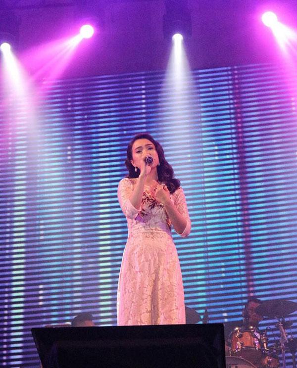 Nữ ca sĩ thể hiện ca khúc Tâm sự với anh – bài hát giúp Như Ý chiến thắng tại cuộc thi Solo cùng Bolero 2018.
