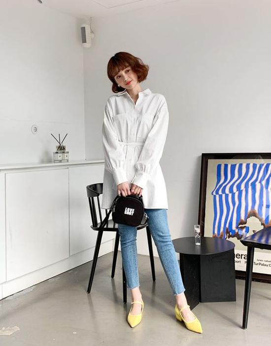 Những cô nàng đầu tư cho hình ảnh thì trang phục đi làm và đồ dạo phố luôn được phân biệt rạch ròi. Tuy nhiên các bạn gái quá bận rộn và yêu style tối giản thì các kiểu trang phục dễ sử dụng ở nhiều bối cảnh lại được ưu tiên hàng đầu.